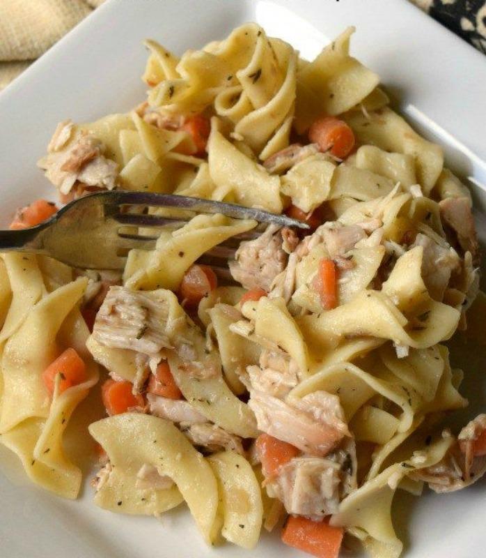 Leftover Turkey Noodle Casserole, Thanksgiving Leftovers Recipes via Giggles Galore