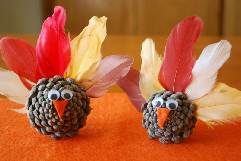 Pinecone Turkeys, Kids Thanksgiving Table Ideas via Giggles Galore