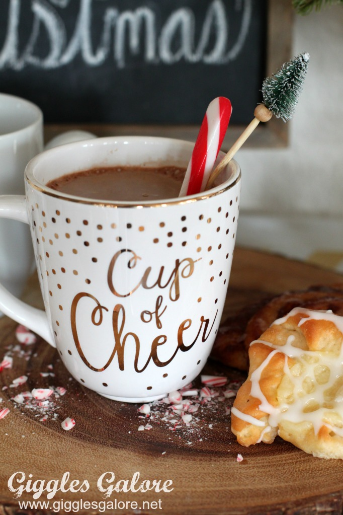 starbucks-peppermint-mocha-cup-of-cheer