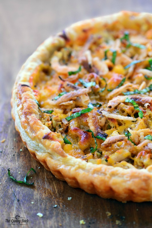 Thanksgiving Pizza, Thanksgiving Leftovers Recipes via Giggles Galore