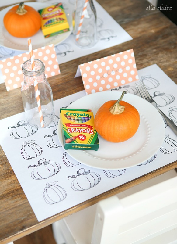Thanksgiving Printable Placemats, Kids Thanksgiving Table Ideas via Giggles Galore