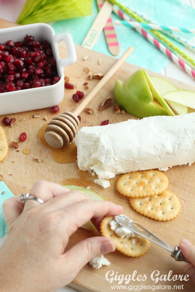 goat-cheese-on-keebler-crackers
