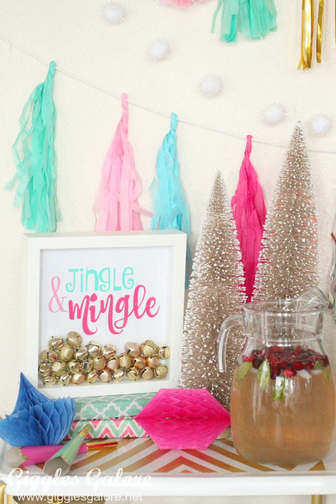 jingle-and-mingle-holiday-sign
