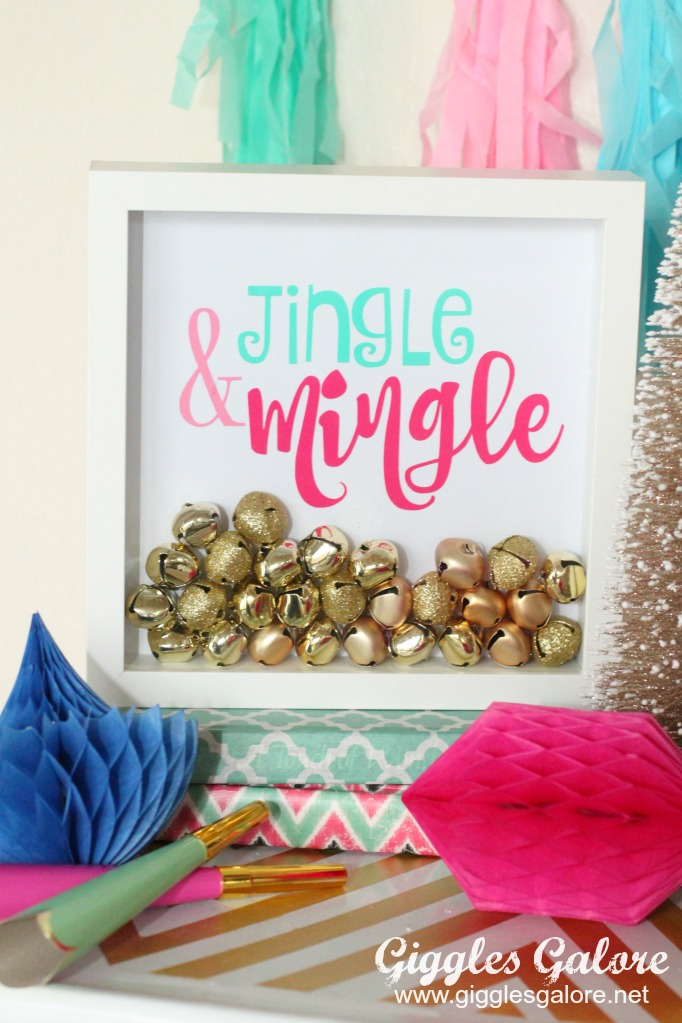 Jingle and Mingle Holiday Sign made with Cricut Crafts by Mariah Leeson