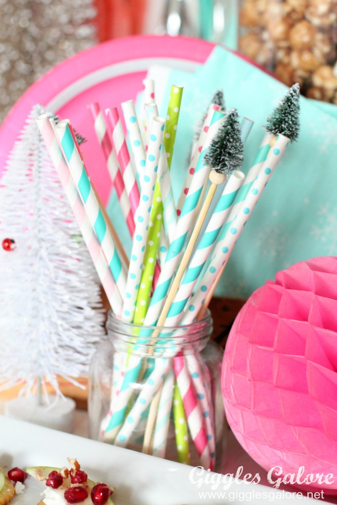 merry-and-bright-paper-straws