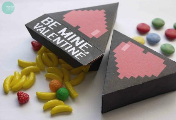 8 Bit Hearts Valentine Boxes, 30+ Kids Valentine Printables via Giggles Galore