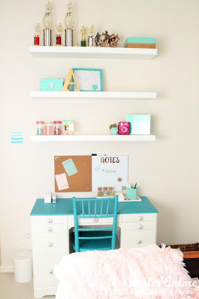 Tween girls bedroom makeover for Cool bedroom ideas for tweens