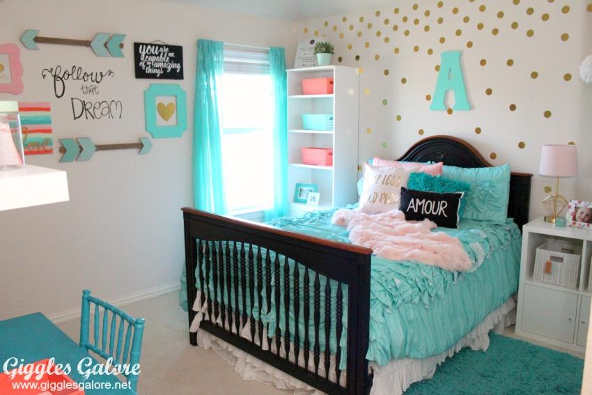 Tween girls bedroom makeover giggles galore - Tween girl room ideas ...
