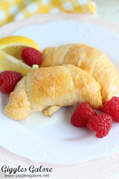 Flaky lemon crescent rolls