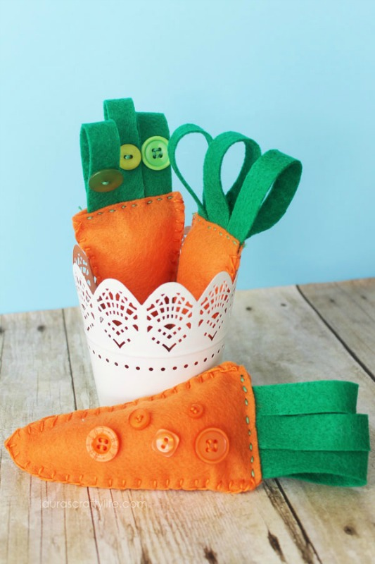 Laura's Crafty Life Embroidered Felt Carrots, 25 Carrot Themed Recipes and Crafts for Easter