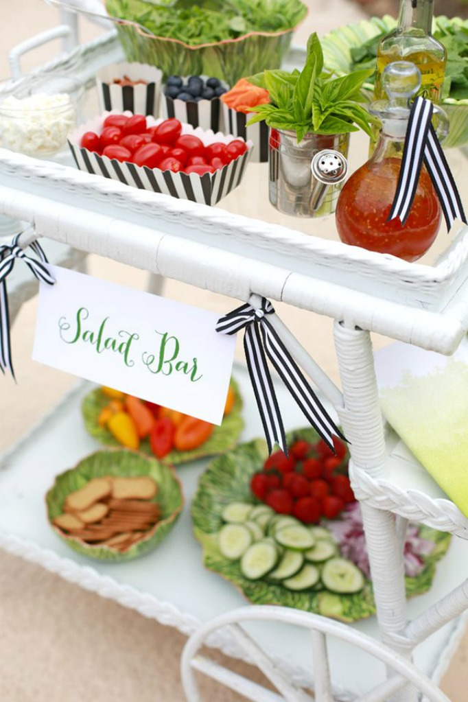 Do some fabulous entertaining with these 20 Fun Summer BBQ Food & Drink Stations!