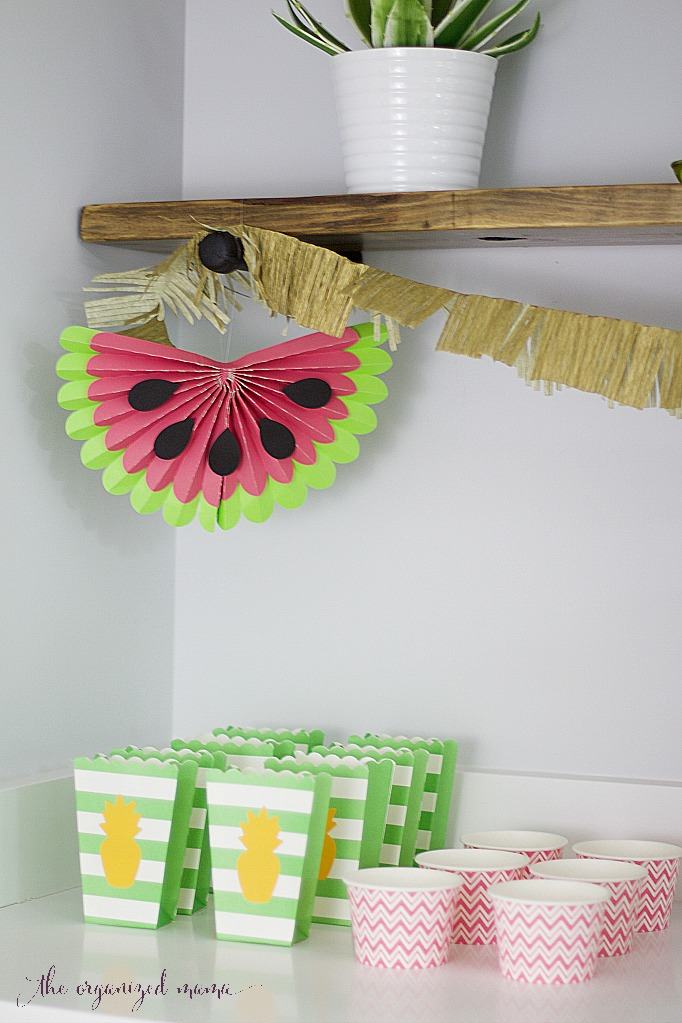 Simple luau party ideas giggles galore for How to make luau decorations at home