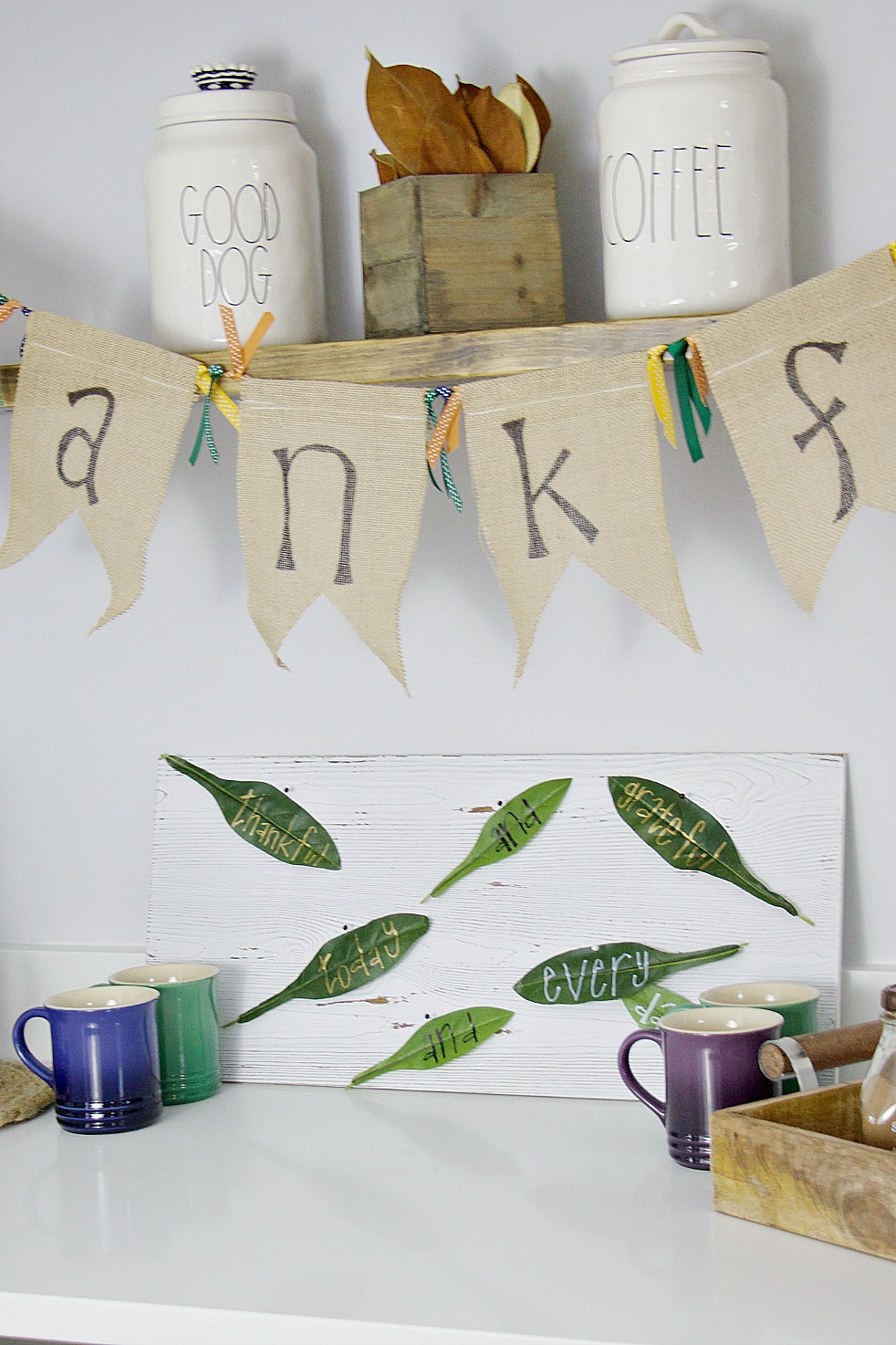 Thanksgiving wall art tutorial is an adorable addition to any holiday decor!