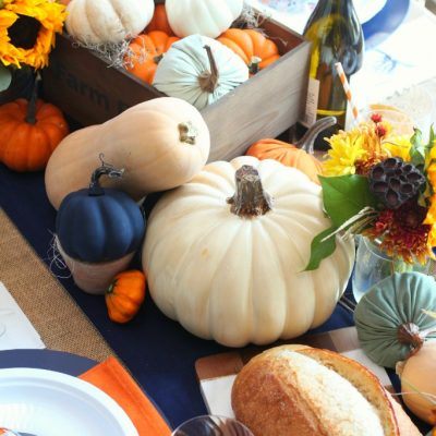 Simple Rustic Farmhouse Thanksgiving Table Setting
