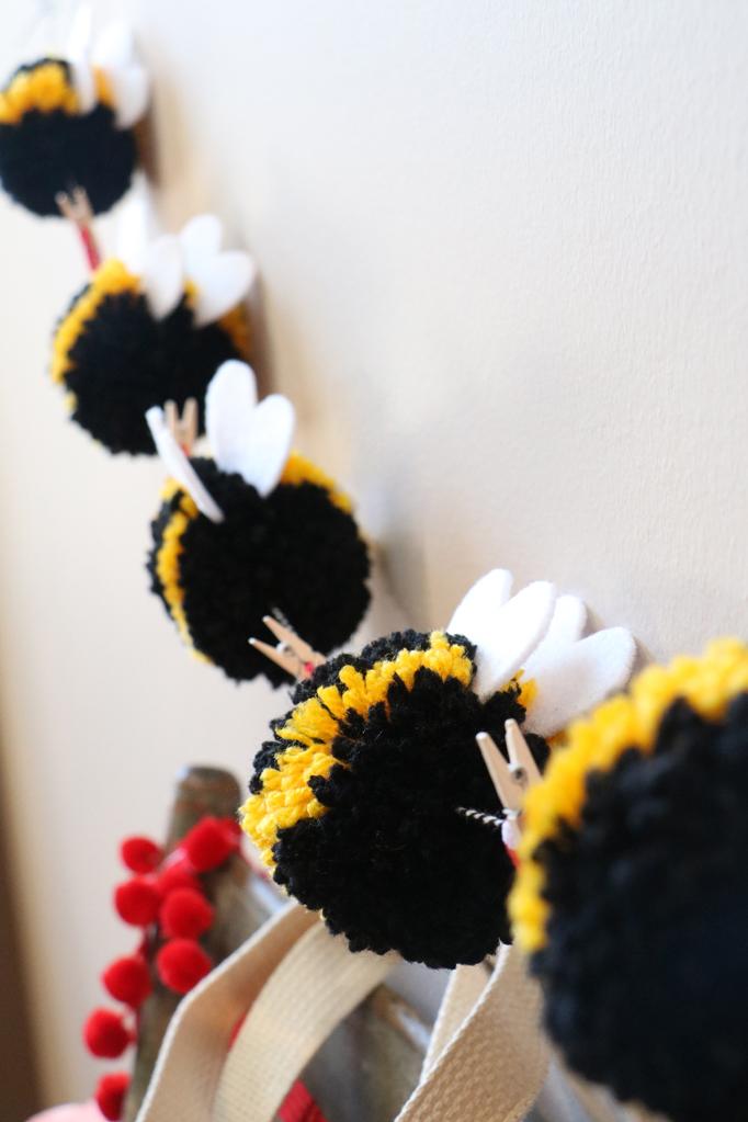 Bee Pom Pom Garland