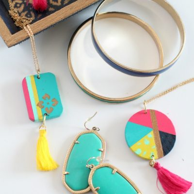 DIY Hand-painted Pendant Necklace and Jewelry Tray