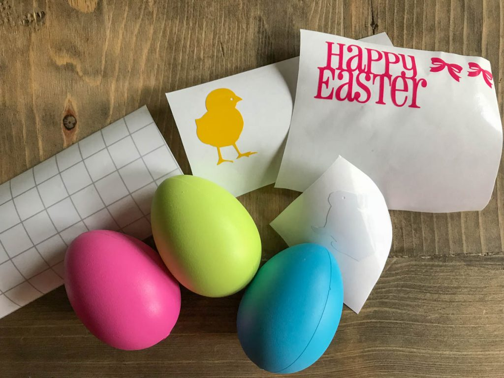 Simple Easter Egg Decorating Ideas #Easter #Vinyl #EasterEggs