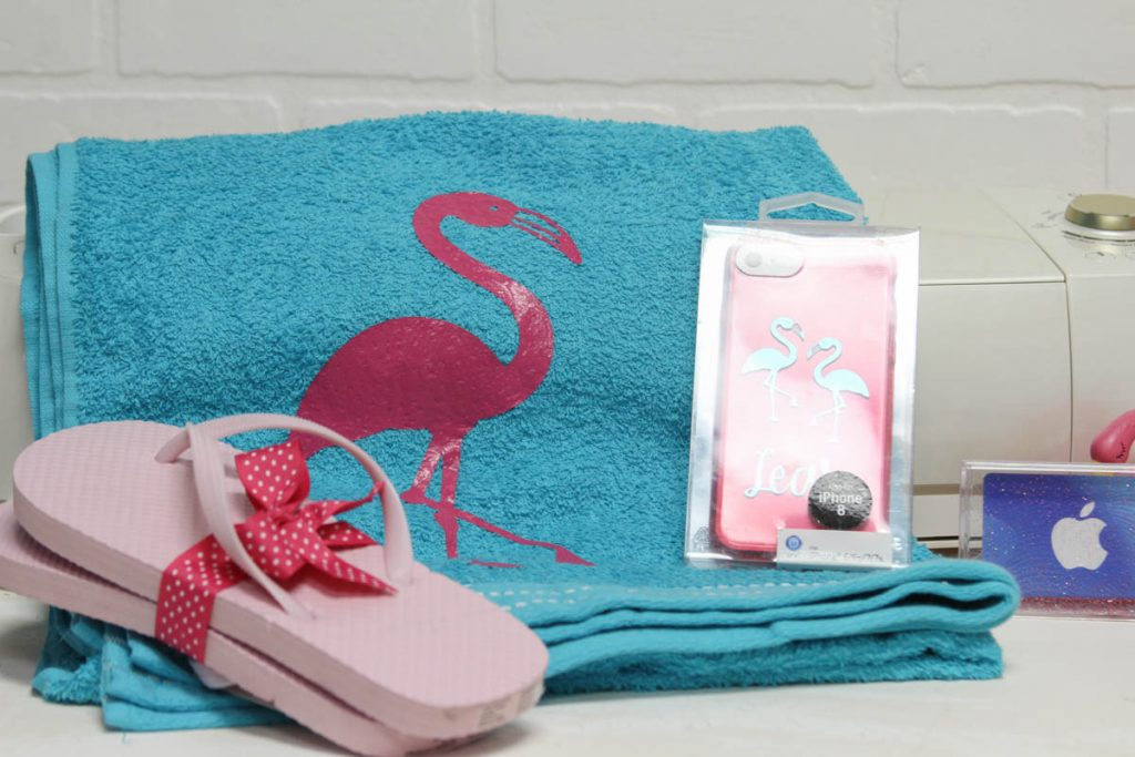 Flamingo Pool Bag #Flamingo #BeachBag #CricutMade
