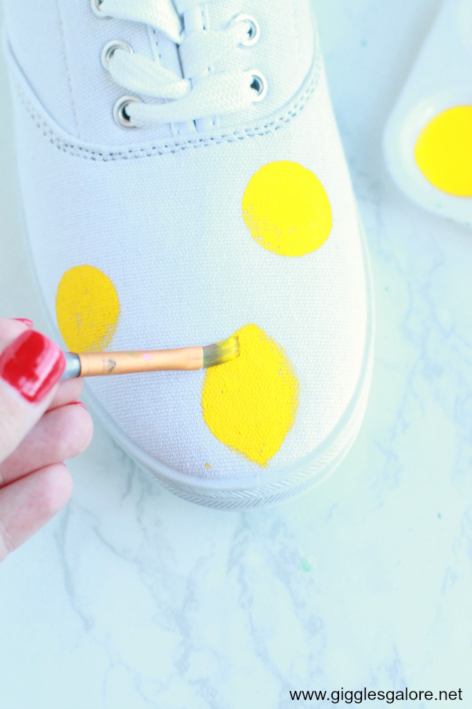 Diy citrus painted canvas shoes step 2