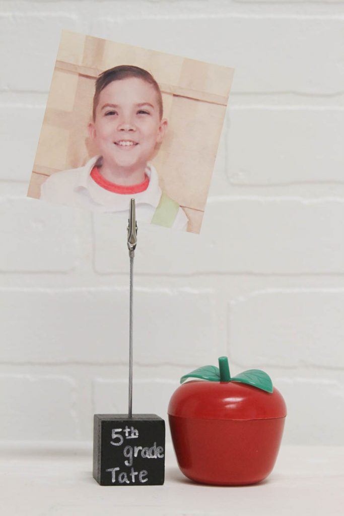 Create a fun back to school photo holder #BackToSchool #DIY