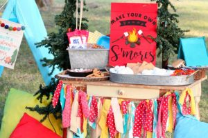 S'mores Bar Party Ideas for National S'mores Day