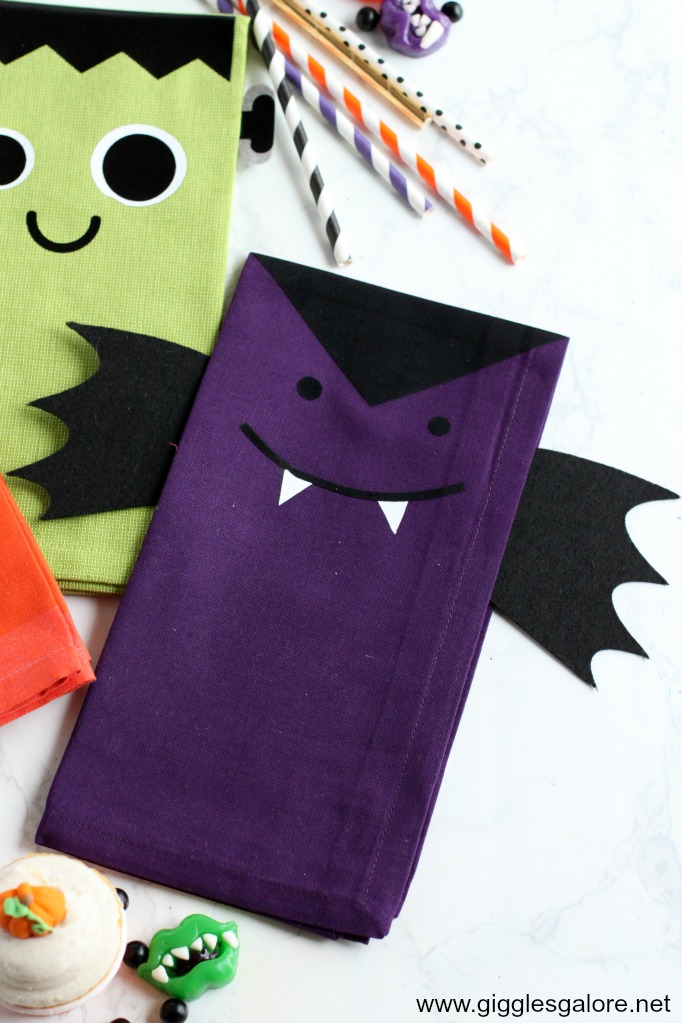 Vampire Bat Halloween Napkin with Cricut EasyPress 2