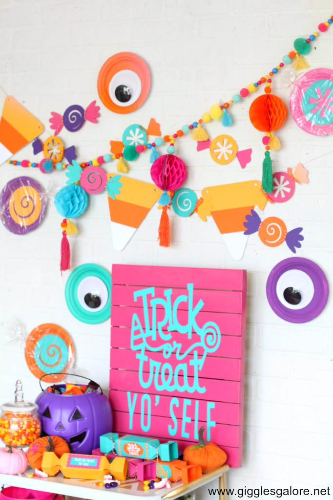 DIY Halloween Candy Banner
