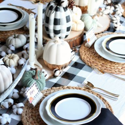 Buffalo Plaid Thanksgiving Table Setting + Printable Conversation Cards