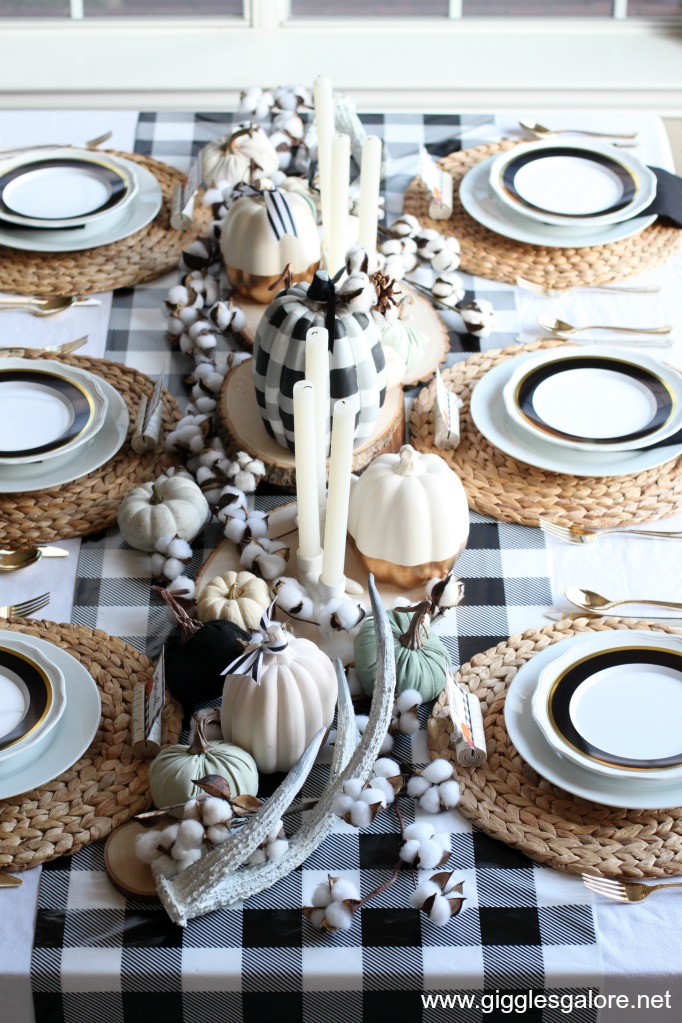 Buffalo Plaid Thanksgiving Table Setting