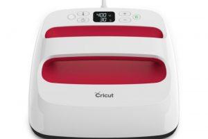 Cricut EasyPress 2 vs. Heat Press – Which Is Better?