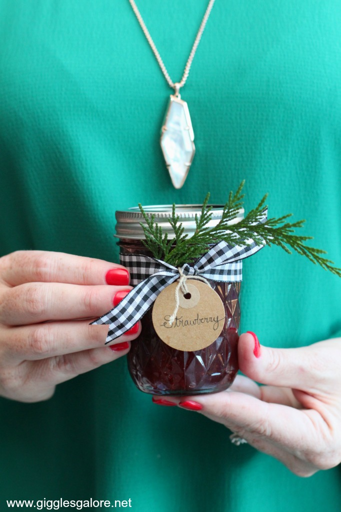 Holiday brunch jam favors