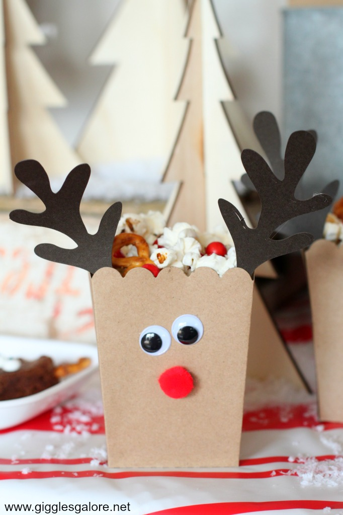 Reindeer popcorn treat boxes