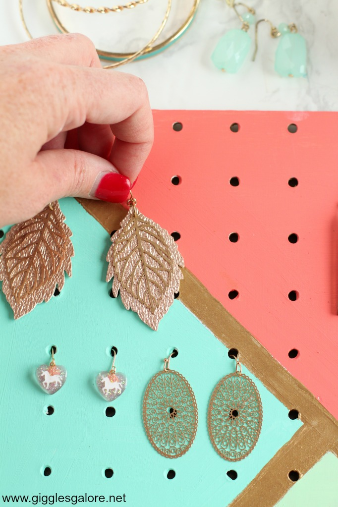 Diy pegboard jewelry organizer step 9