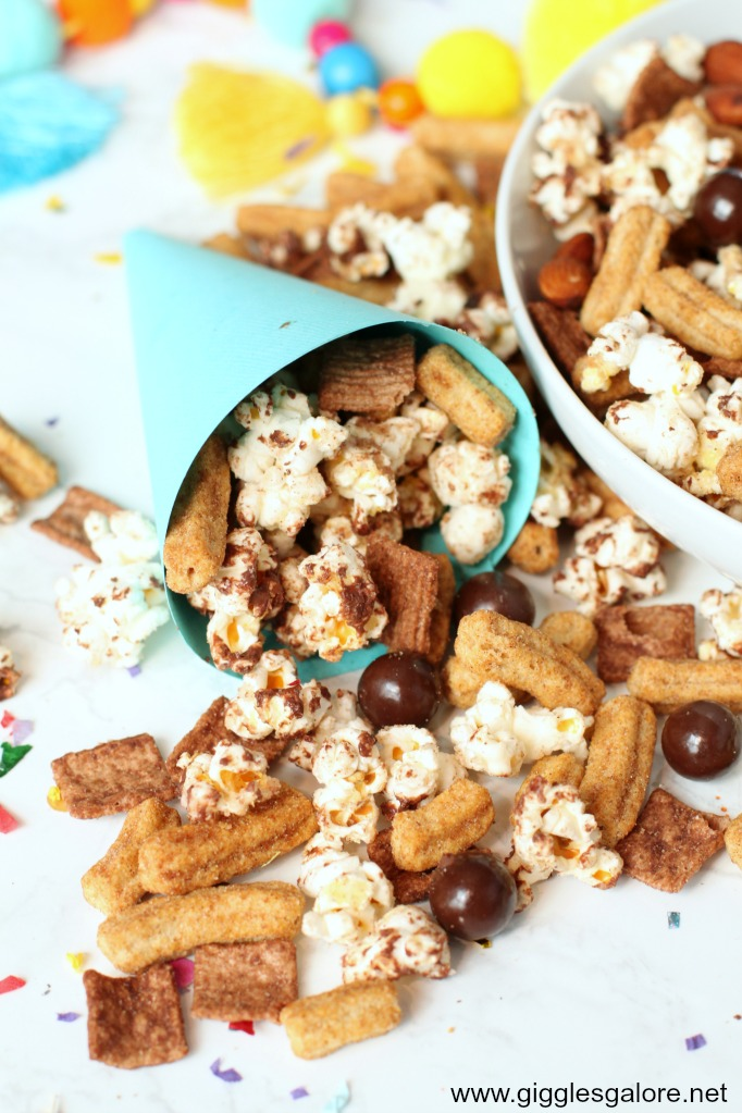Easy churro chocolate popcorn snack mix for parties