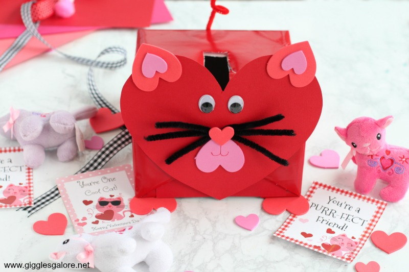 Handmade cat valentine card box