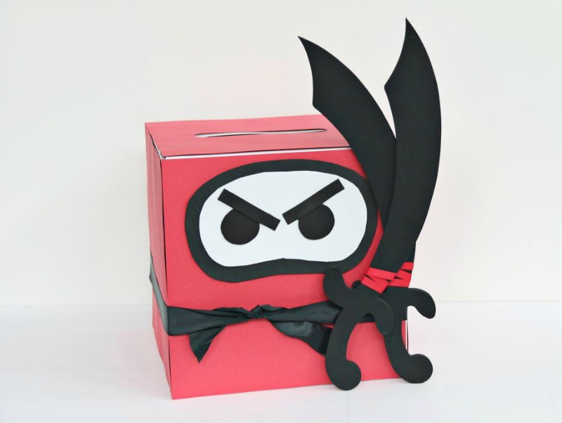 Ninja valentine card box