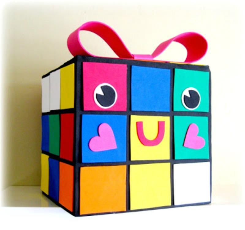 Rubiks cube valentine card box