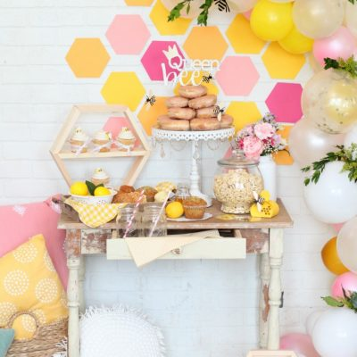 How to Plan A Bee-utiful Bee Themed Party
