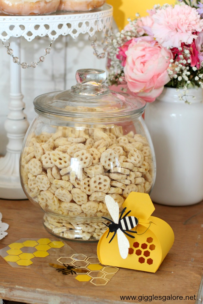 Cricut maker bee party decorations