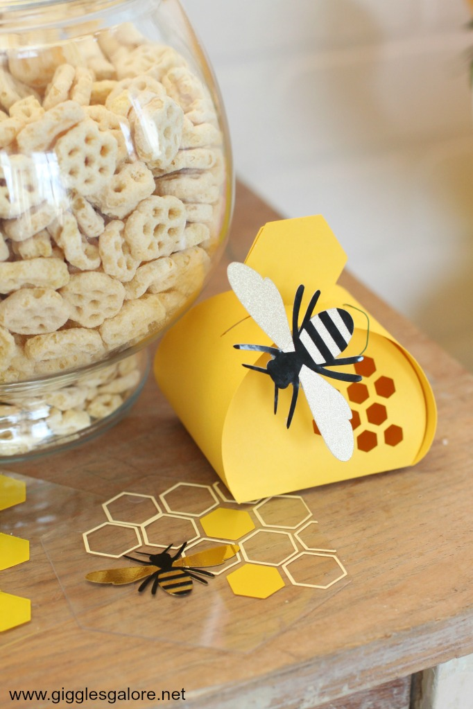 Diy beehive party favors cricut maker