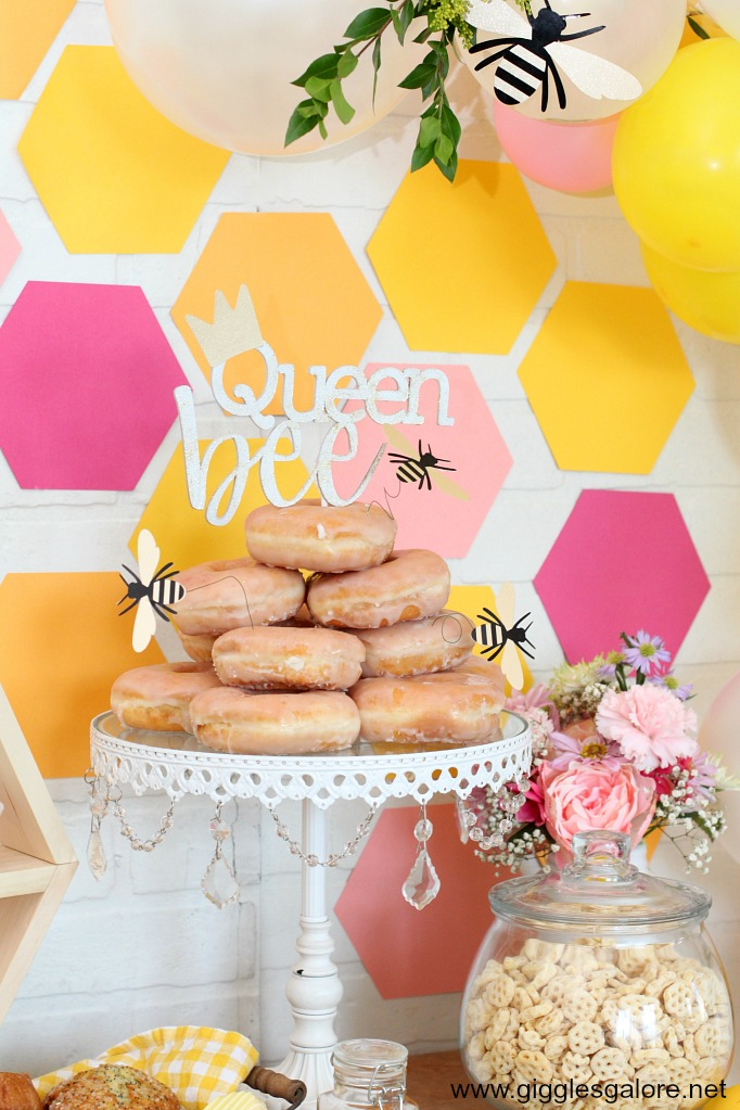 Donut cake queen bee cake topper