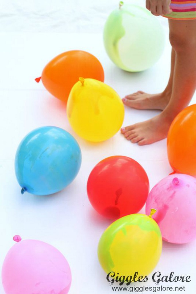 Messy balloon painting game