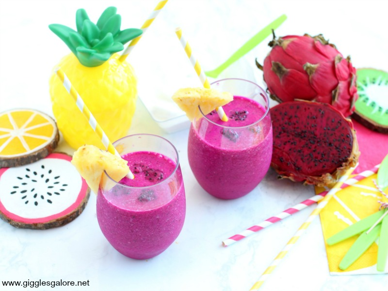 Pineapple dragon fruit smoothie hero