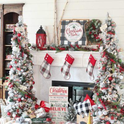 Rustic and Cozy Farmhouse Christmas Tree