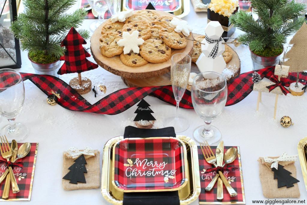 Buffalo plaid christmas table