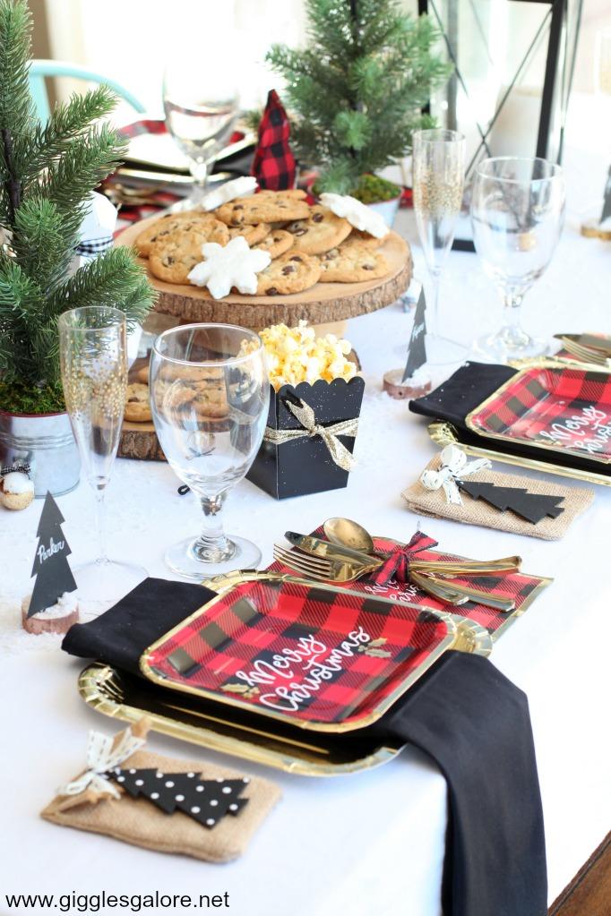 Merry christmas buffalo plaid plates