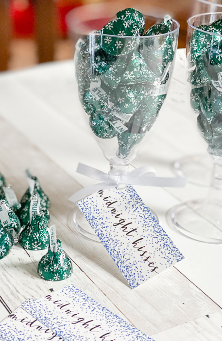 Midnight kisses free printable tags and nye party favor