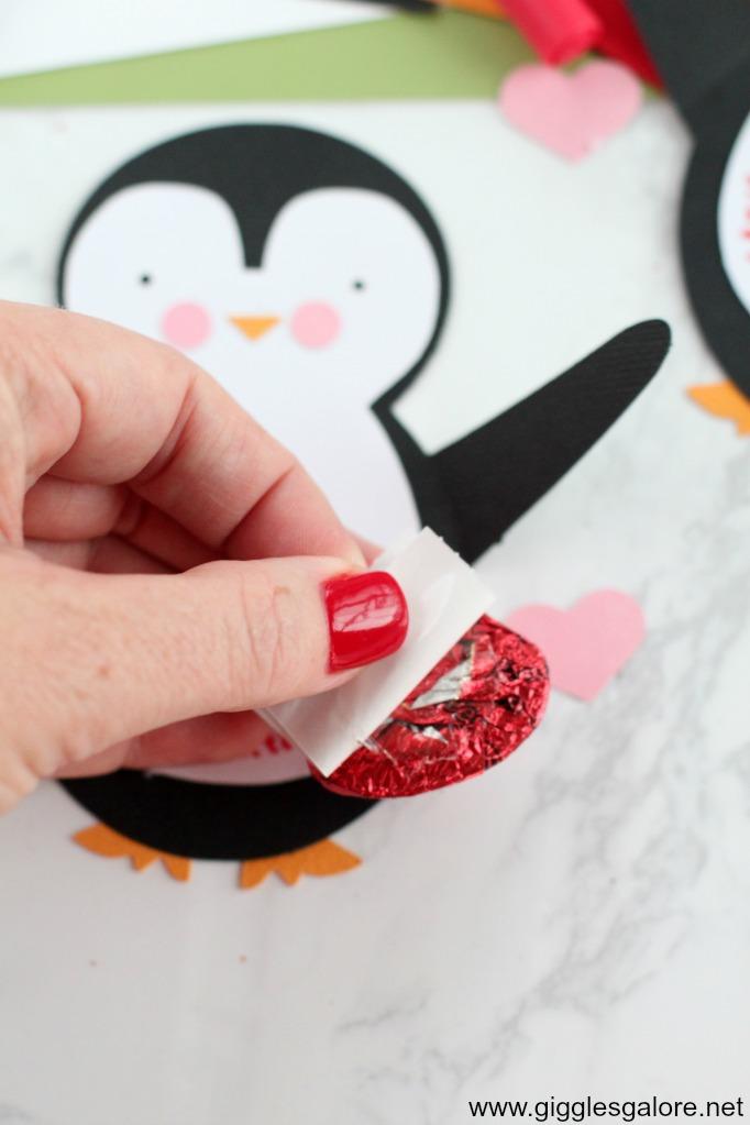 Penguin valentine card step 4