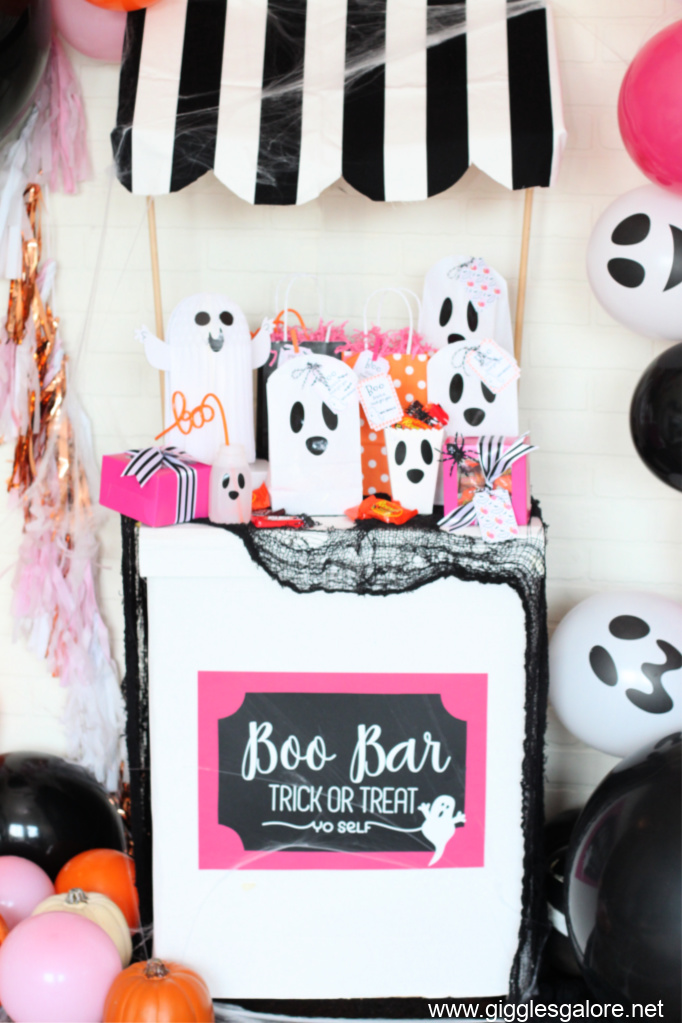 Boo bar cart