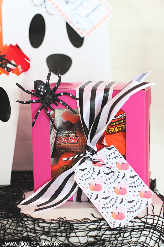 Halloween boo box with candy